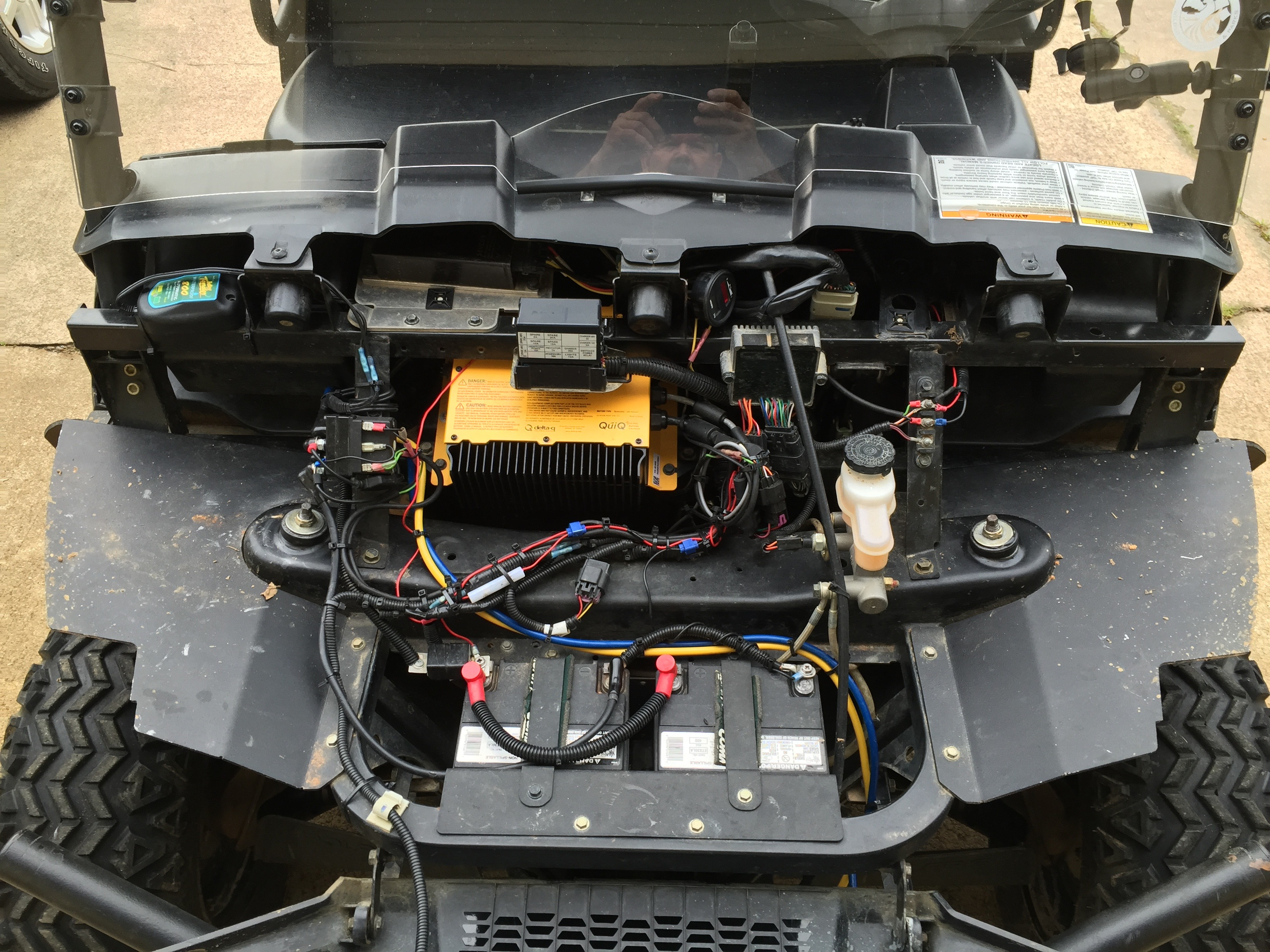 ranger ev  where do you put an auxillary battery for winch
